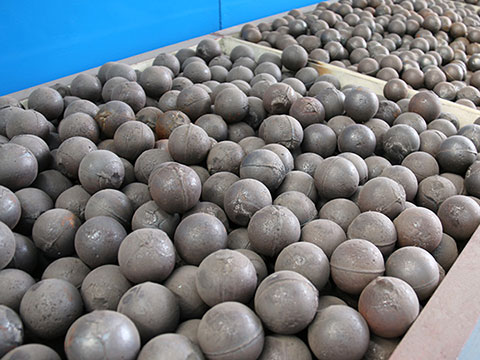 Wear-resistant steel ball for ball mill