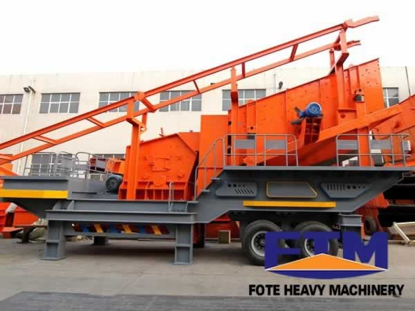 Secondary wheel mobile impact crusher
